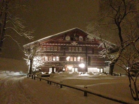 Waldhotel Doldenhorn :                   Ruedihuus