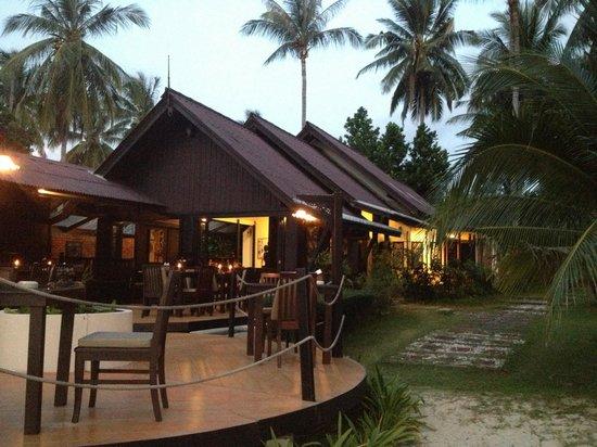 Blue Ocean Garden Beach Resort: Romantic dinner