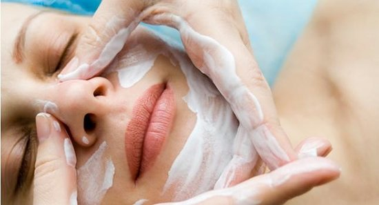 Float Spa Geneva : Facials - Dermalogica - Confort - Puriying - Clay (Argile)