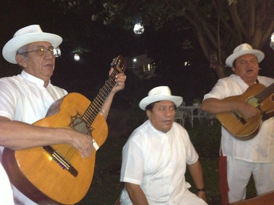 Villas Las Anclas:                   entertainment at La Mission