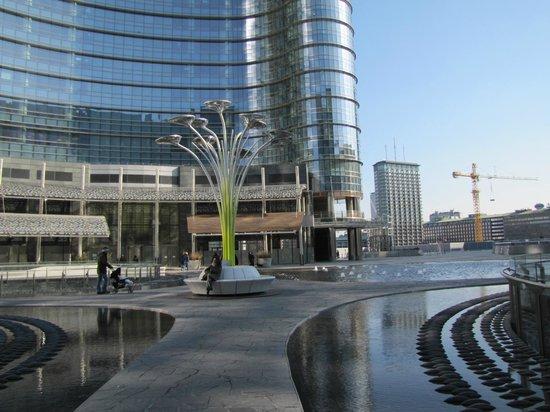 Piazza gae aulenti foto di piazza gae aulenti milano for I nuovi grattacieli di milano