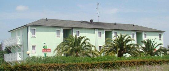 Fasthotel Perpignan: Arrière de l'hôtel