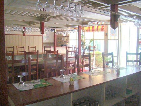 Fasthotel Perpignan: Salle de restaurant et petit déjeuner