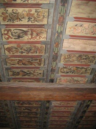 Royal Boutique Residence:                                                                         il soffitto della stanza