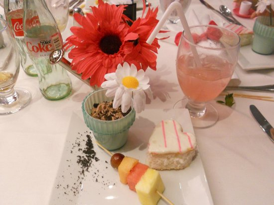 American Girl Place - New York:                   Dessert in the Cafe, perfect