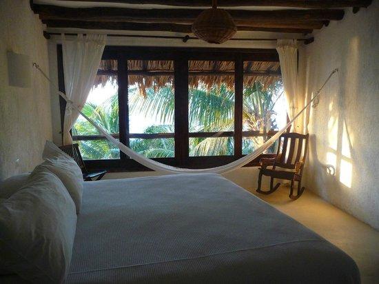 Beachfront Hotel La Palapa:                   Nuestra habitacion al atardecer