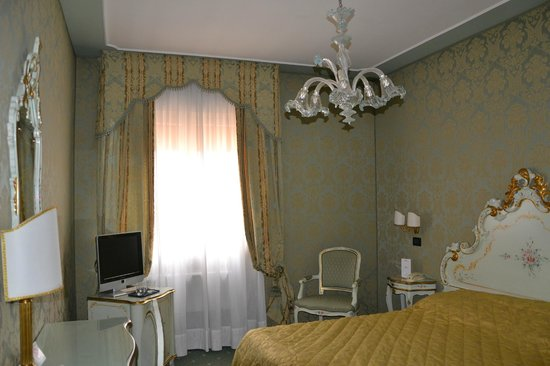 Hotel Carlton on the Grand Canal : Our room