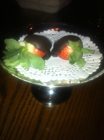 Bistro Stefan:                   2 lovely chocolate covered strawberry