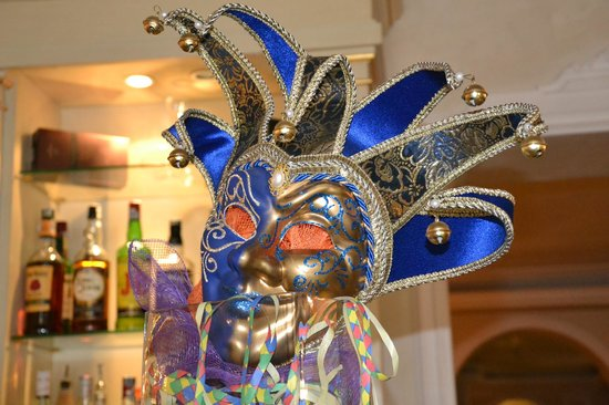 Hotel Carlton on the Grand Canal: Mask on Bar