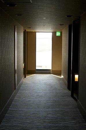 Hotel Niwa Tokyo:                                     走道