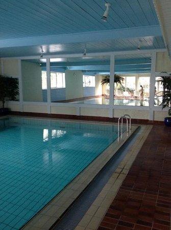 Hotel Braunschweiger Hof:                   großes Becken