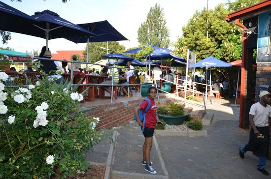 Sakhumzi Restaurant:                   Enter with pleasure