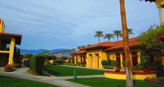 Miramonte Indian Wells Resort & Spa:                   The hotel grounds