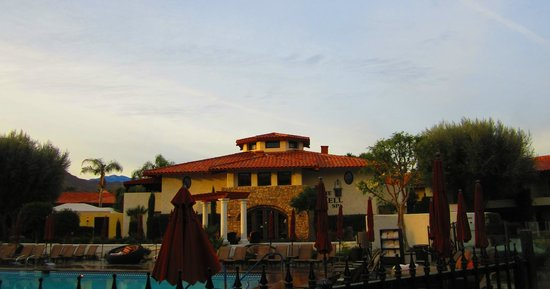 Miramonte Indian Wells Resort & Spa:                   Hotel grounds