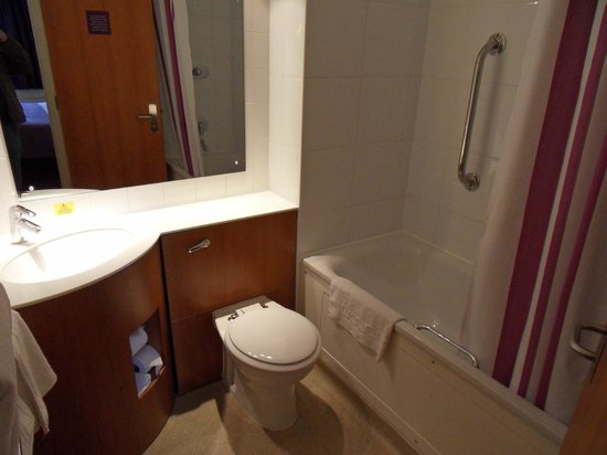 Premier Inn Norwich City Centre (Duke Street) Hotel:                   Bathroom - 312