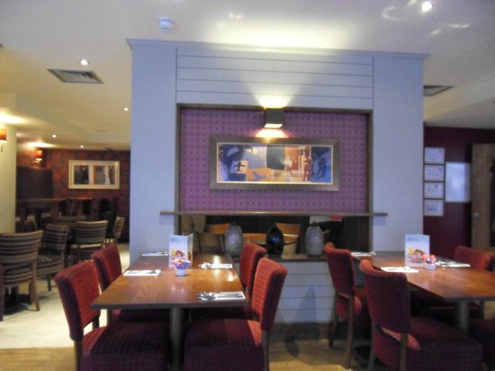 Premier Inn Norwich City Centre (Duke Street) Hotel:                   Dining area / bar