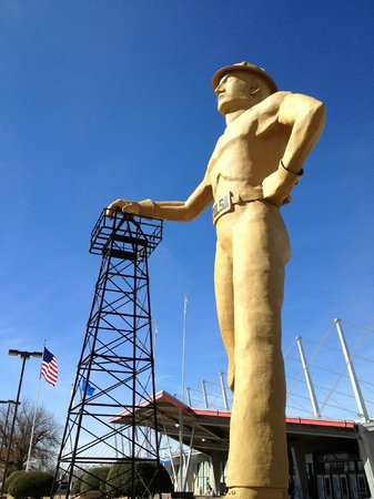 Tulsa, OK:                   The Golden Driller
