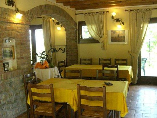 sala da pranzo - Picture of Country House Il Bucaneve, Rovolon ...