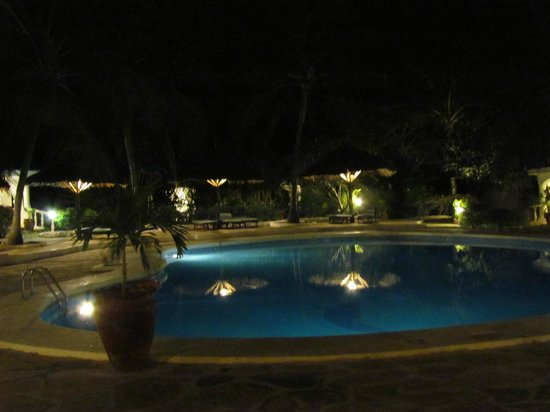 Villas Watamu Resort:                   piscina