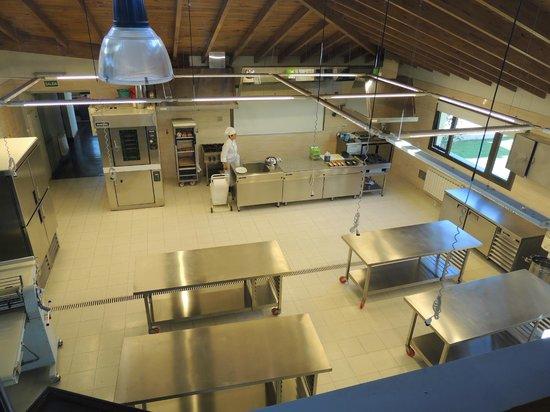 Konke Hotel & Sabores:                   Escuela de reposteria dentro del hotel