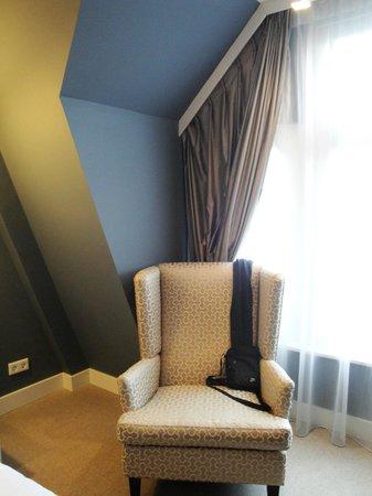 Hotel JL No76:                   Room