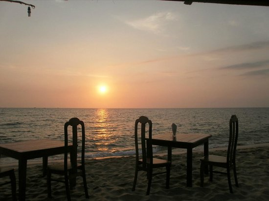 Mai Spa Resort:                   Sunset at Mai Spa, Phu Quoc