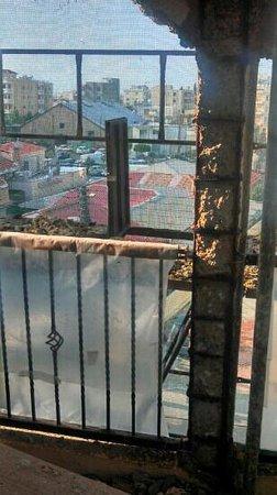 Le Village Hotel:                   balcon