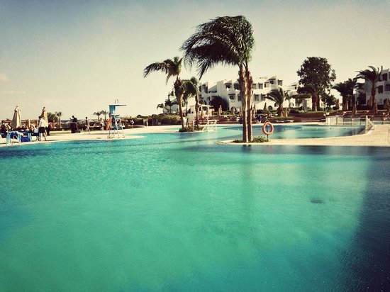 Mercure Hurghada Hotel:                   Pool