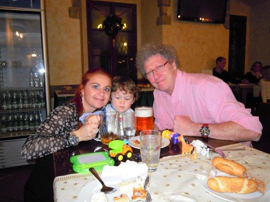 Brewery Hotel U Medvidku: Noi in birreria