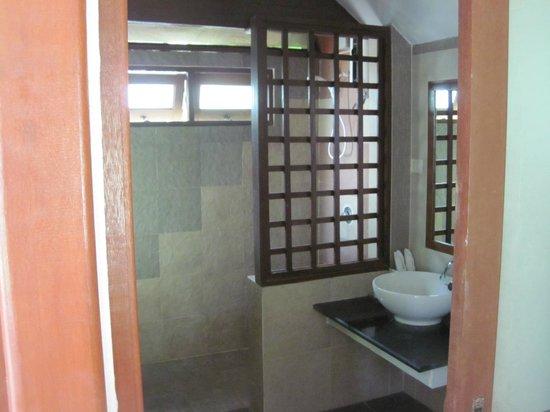 Am Samui Resort:                   A19 bathroom