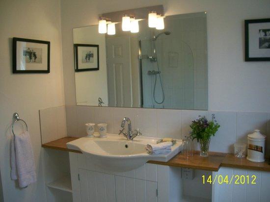 Bowes House: Double room ensuite bathroom