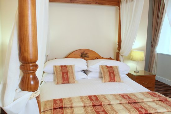 Eskdale Hotel: Telford Suite, Four Poster