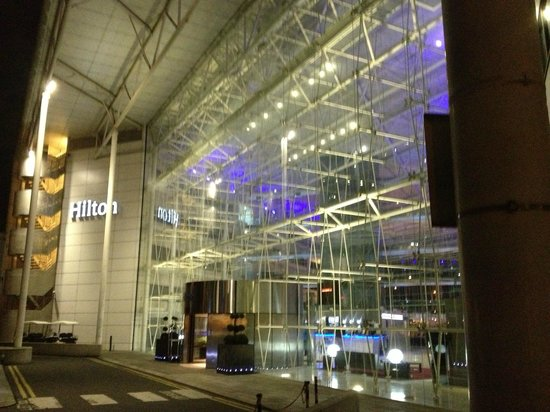 Hilton London Heathrow Airport:                   Entrance