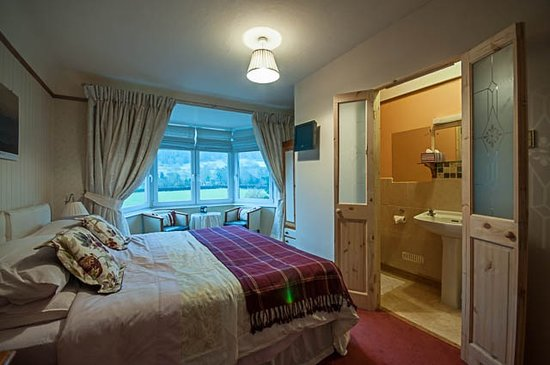 Y Llwyn Guest House: Ceidiog, has a superking / twin beds ensuite