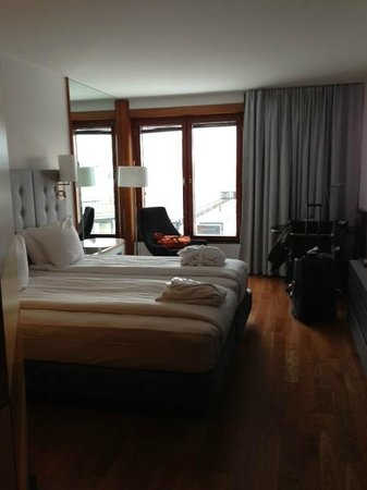 Hilton Stockholm Slussen:                   Twin room on 2nd floor