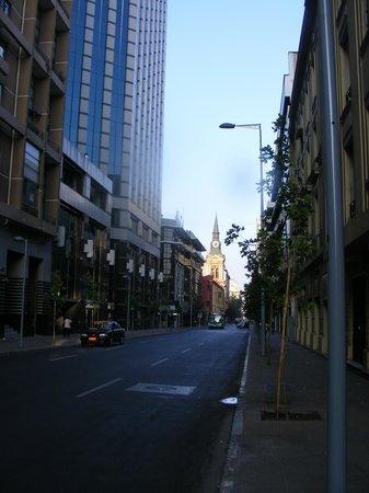 Andes Hostel:                   Rua Merced, onde ficam os apartamentos. Bem próximo do Andes.