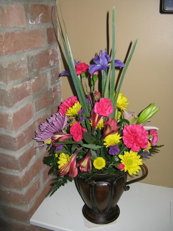 Inn BoonsBoro:                   Fresh Flower throughout the Inn