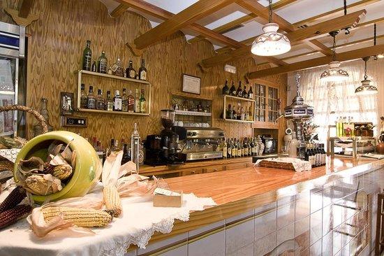 Restaurante La Llar: Barra