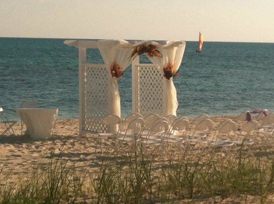 Viva Wyndham Fortuna Beach - An All-Inclusive Resort: Prepping for a wedding