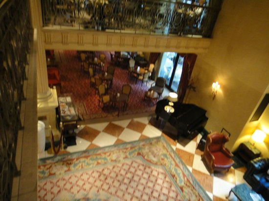 Grand Hotel Wien:                   the lobby again