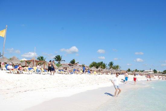 Iberostar Paraiso Maya:                   Beach