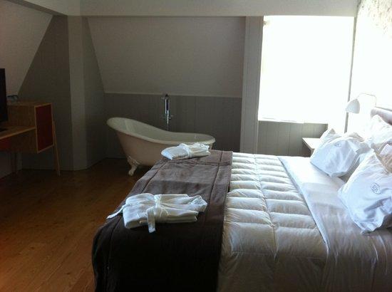 Lisboa Carmo Hotel:                   Habitscion