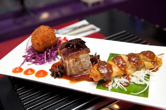 Chameleon Restaurant: 3 dishes from our rijst-tafel menu