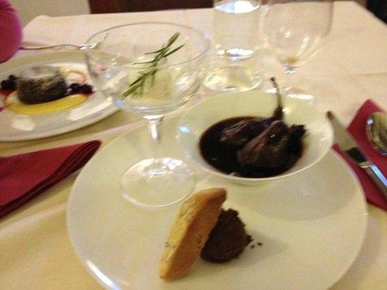 Refectorium:                   pere al vin brulèe con gelato