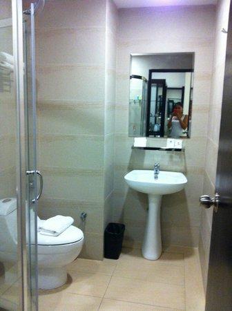 My Inn Hotel Lahad Datu: Love the toilet