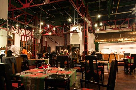 ذا تي فاكتوري:                                     Restaurant/buffet                                  