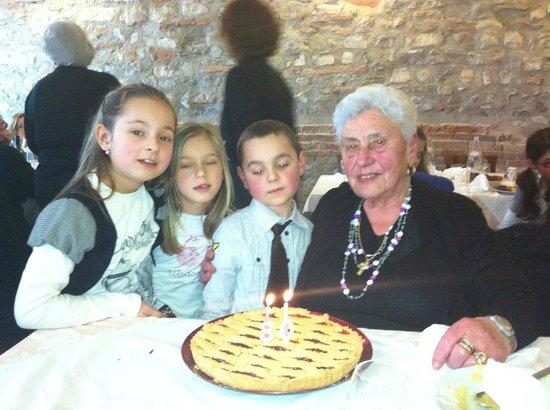 agriturismo da Mario e Rosa:                                     conpleanno della mia mamma,   80 primavere