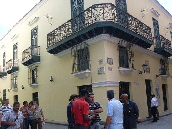 Old Havana: Una esquina de La Habana