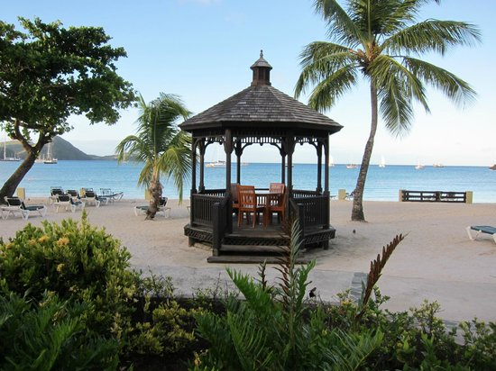Sandals Grande St. Lucian Spa & Beach Resort:                   relax on the beach