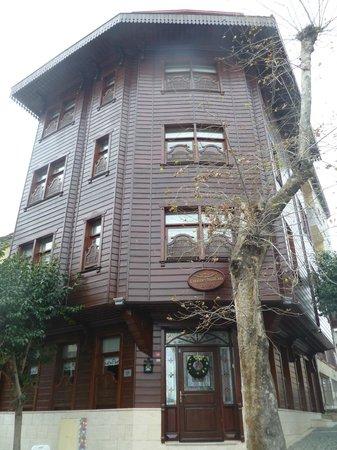 Emine Sultan Hotel & Suites:                   Esterno
